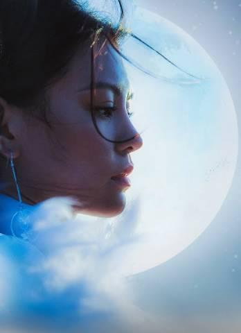 Bùi Lan Hương và MV Mặt Trăng – Vẻ đẹp duy mỹ đau thương