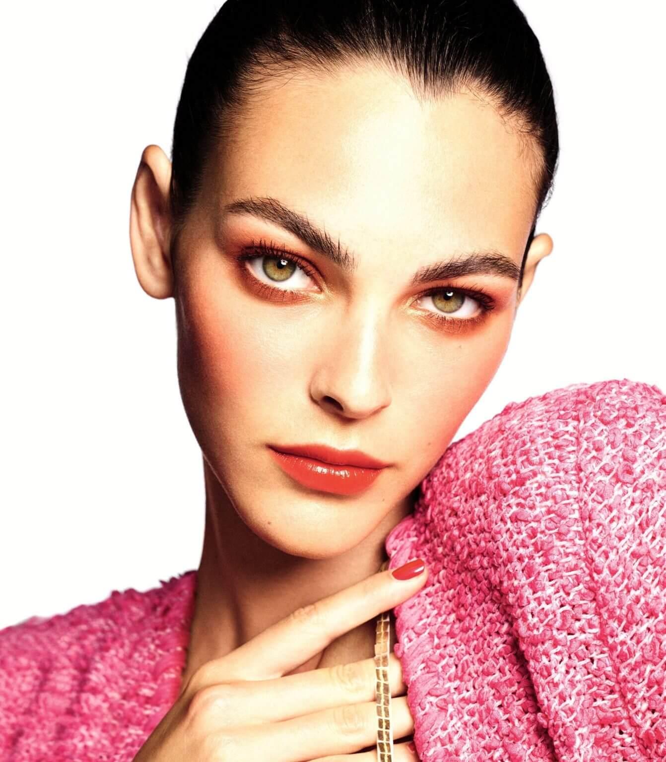 CHANEL Makeup Spring Summer 2021 - Chiếc ôm ấm không cần chạm